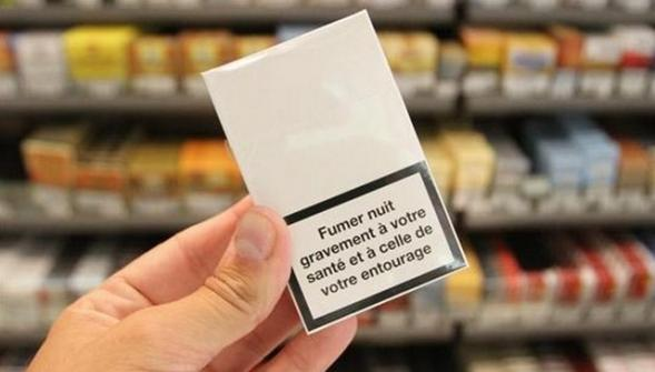 Liberation.fr : « Le paquet neutre, front avancé de l'arsenal anti-tabac »
